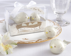 Feathering the Nest Ceramic Birds Salt Pepper Shakers