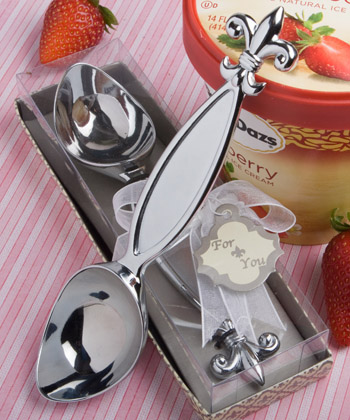 Fleur de lis design ice cream scooper