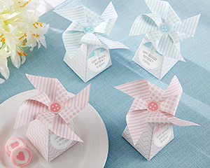 """WHIMSICAL MOMENTS"" PINWHEEL FAVOR BOX-PINK OR BLUE (SET OF 24)"