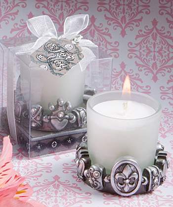 Regal fleur de lis design candles