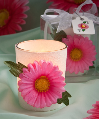 VIBRANT AND VERSATILE GERBERA DAISY CANDLES