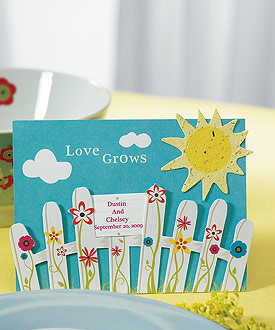 Love Grows Picket Fence with Seeded Paper Sun ( Set of 12 )